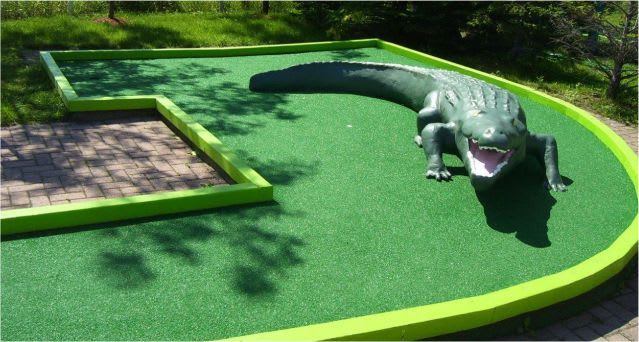 mini-putt-hole-built-by-turf-net-sports-supplies